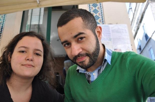No restaurante, fomos simpaticamente atendidos pela garçonete (que foi extremamente grossa com uma outra dupla de brasileiros). E tiramos essa foto daí, em que ficamos muito bonitos.